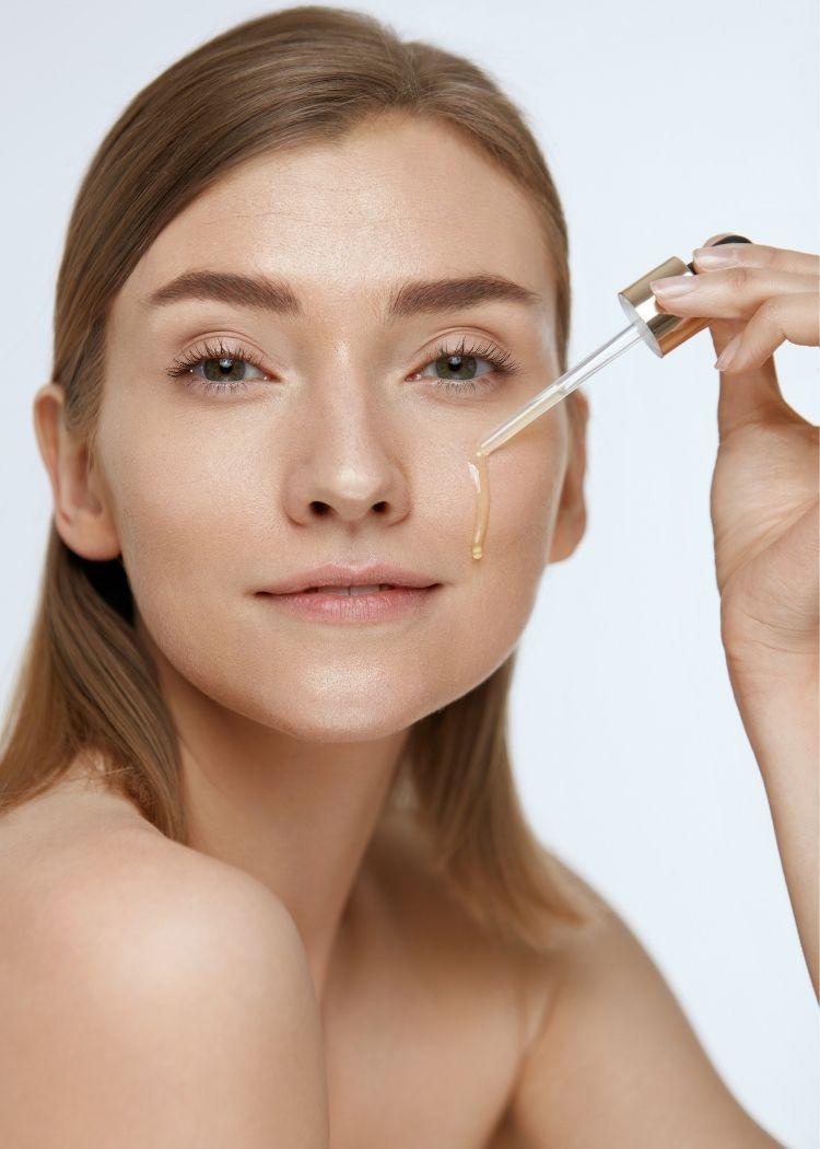 Loreal Revitalift Filler serum za lice