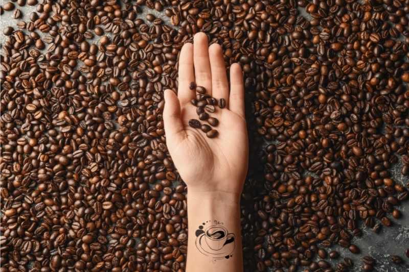 kofein u ruci